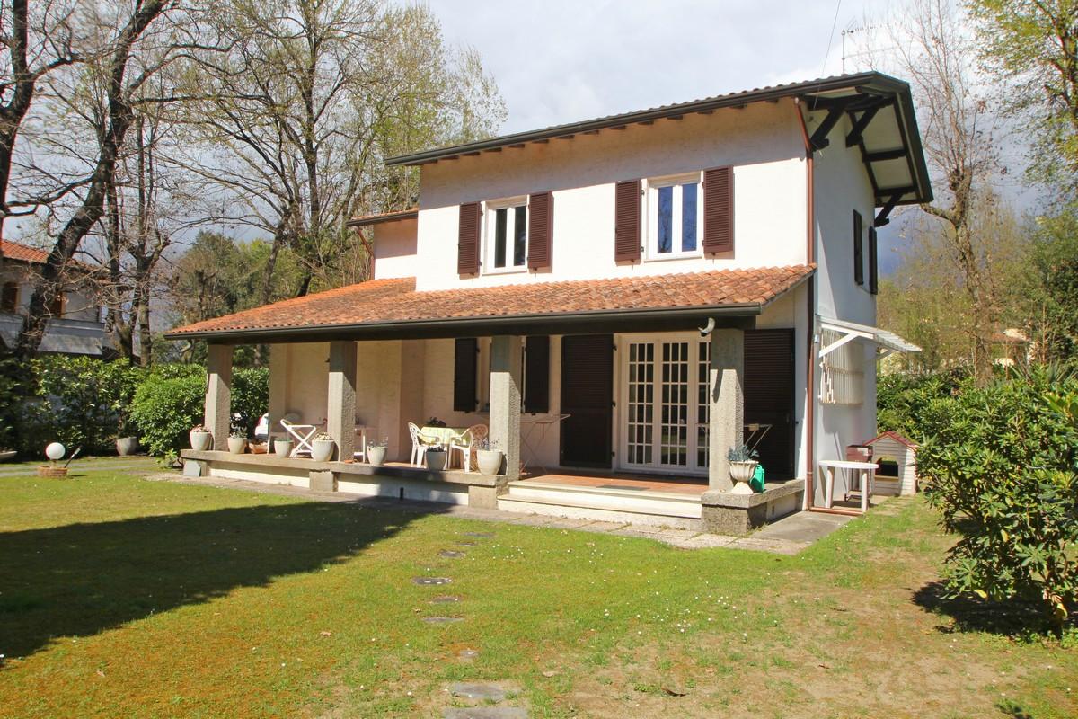 Casa nella pineta di Massa vicino al mare