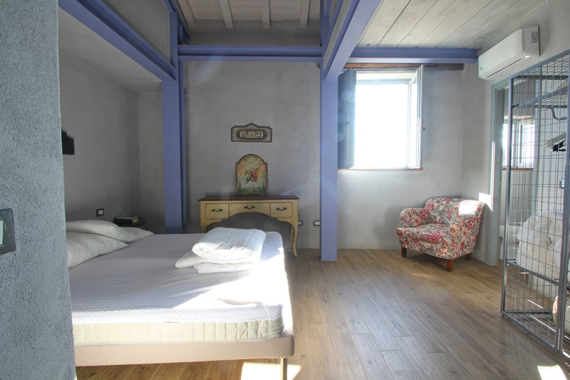 Fosdinovo - restored rural house with sea view