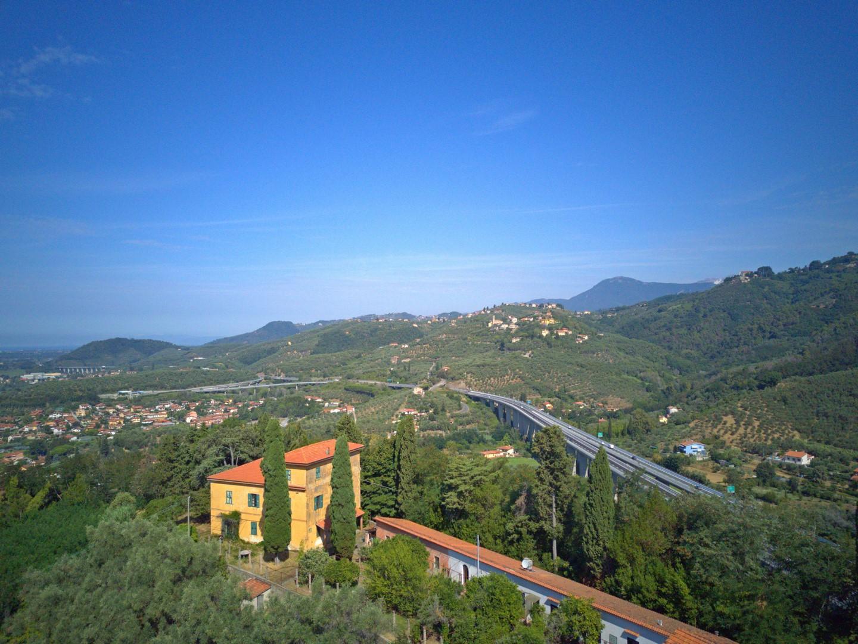 Villa bei Massarosa