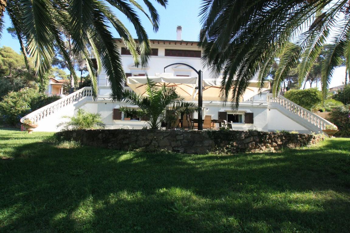 Villa in Quercianella