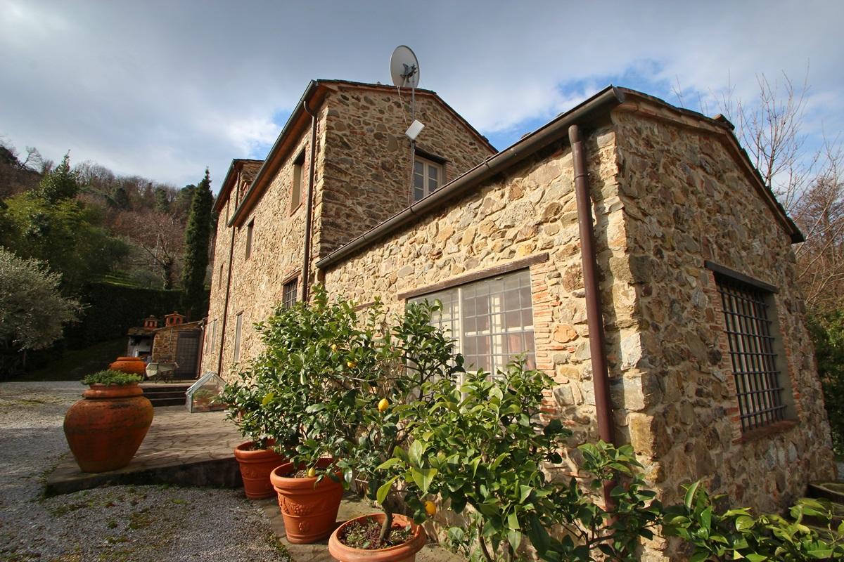Ehemaliges renoviertes Bauernhaus in Versilia - Toskana