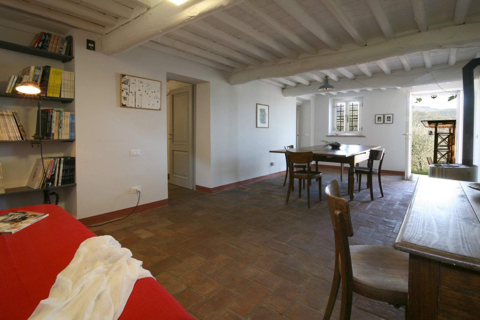 Large restored stone house near to Camaiore