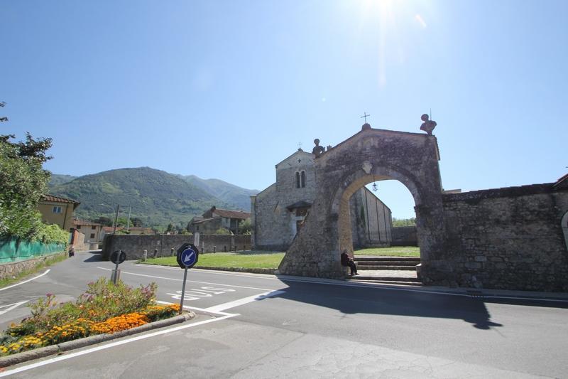 Villa aus ehem. Kloster oder B & B im Zentrum von Camaiore