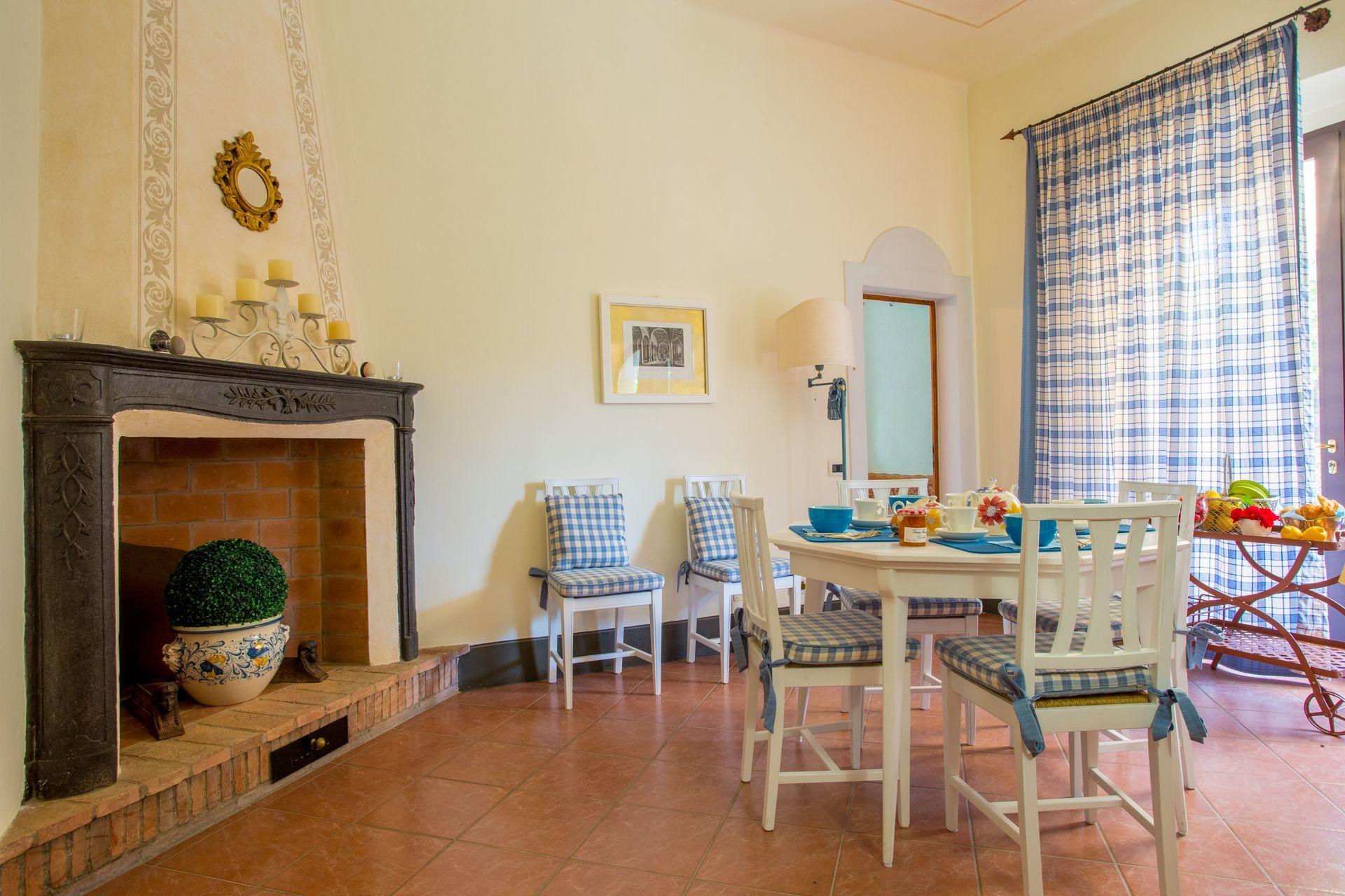 Tuscan villa in a hamlet